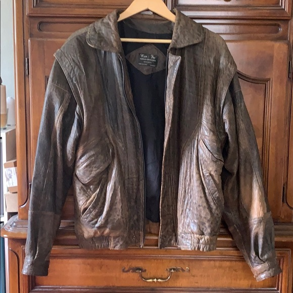 622aec532 Classic bomber jacket. Argentinian leather.